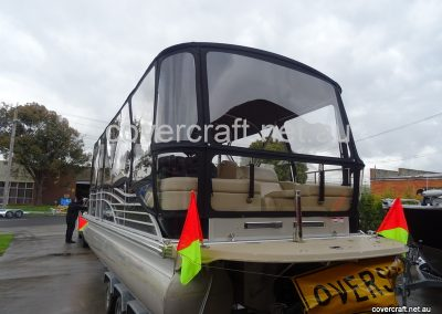 pontoon-boat-clears-melbourne